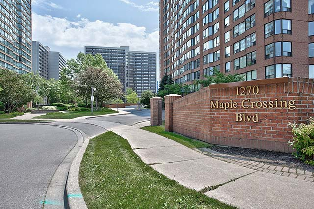 1270 Maple Crossing Boulevard The Palace Burlington Condos