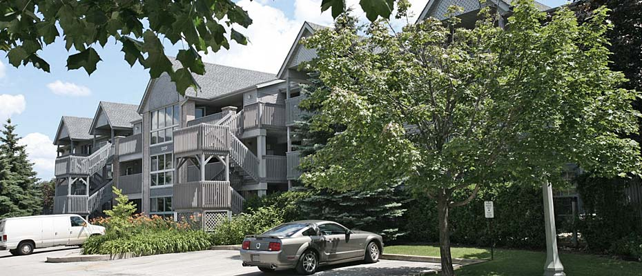 2010-2040 Cleaver Avenue, Burlington - Forest Chase condominiums in Headon Forest.