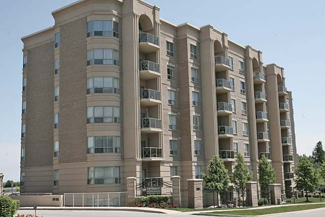 2075-2085 Amherst Heights Drive, Burlington - Balmoral I and II condominiums in Brant Hills.