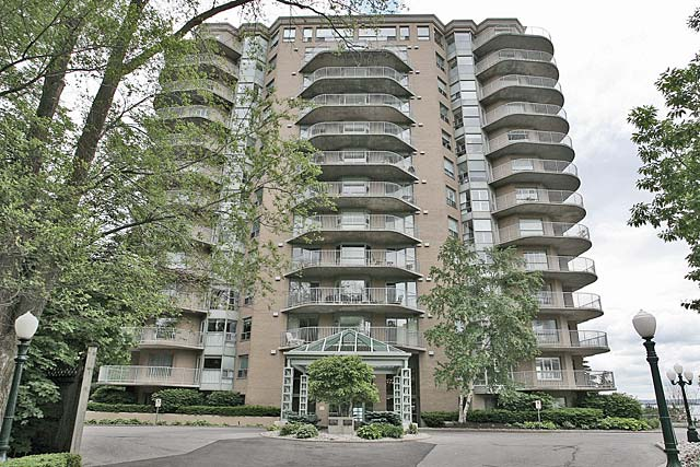 2190 Lakeshore Road, Burlington - Lakepoint condominium in downtown Burlington.