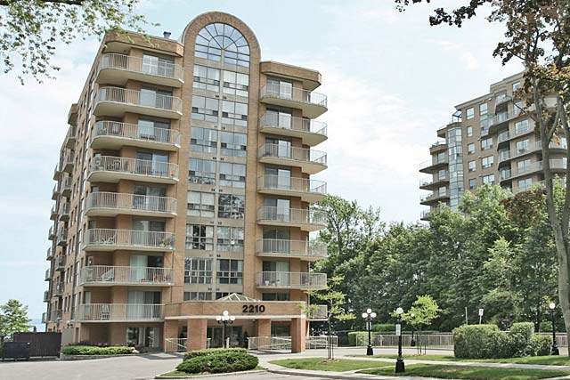 2210 Lakeshore Road, Burlington - Lakeforest condominiums in Downtown Burlington.