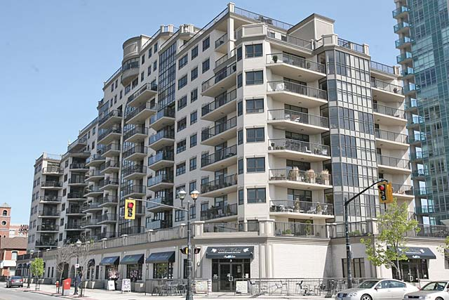 399 Elizabeth Street, Burlington - The Baxter condominiums in Downtown Burlington.