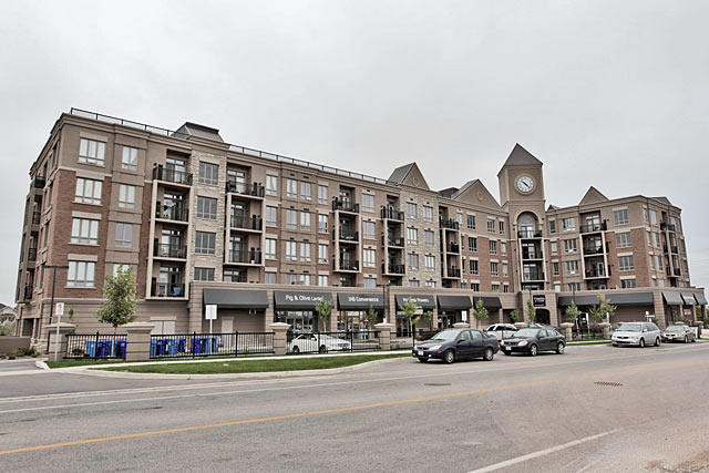 5327 Upper Middle Road, Burlington - Times Square condominiums