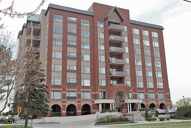 5340 Lakeshore Road, Burlington - Brants Landing East condominiums